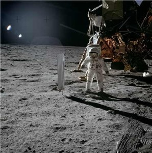 buzz-aldrin-on-the-moon-small