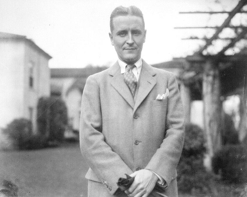 the great gatsby f scott fitzgerlad s Comprehensive research & study guides introduction -- biography of f scott fitzgerald -- thematic and structural analysis -- list of characters -- critical views.