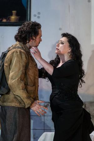 ENO Rodelinda - Iestyn Davies, Rebecca Evans (c) Clive Barda two