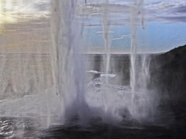 Robert Tamara-Iceland-4049-1 1