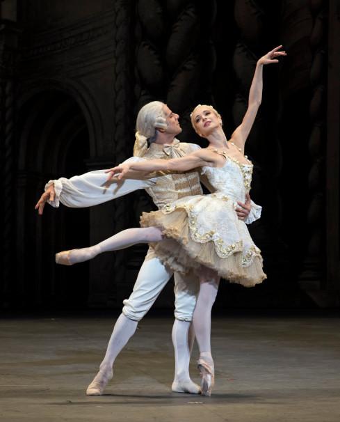 ABT The Sleeping Beauty - Diana Vishneva & Marcelo Gomes 1 - photo Gene Schiavone