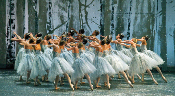 The-Snowflakes-from-The-Nutcracker-Photo-by-Gene-Schiavone