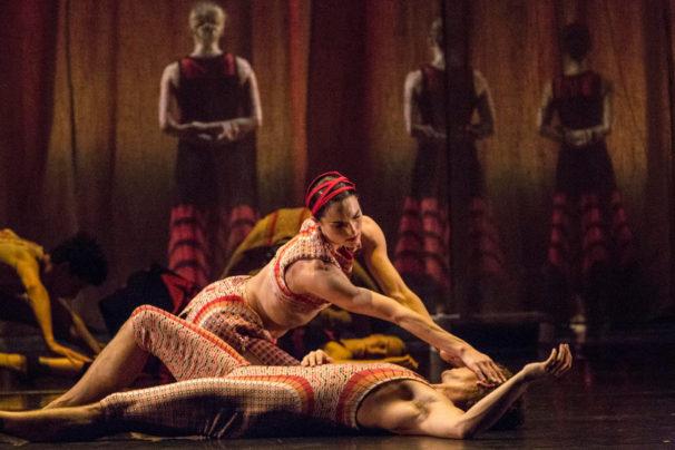 14-azzedine-alaia-designs-costumes-shahrazad-ballet